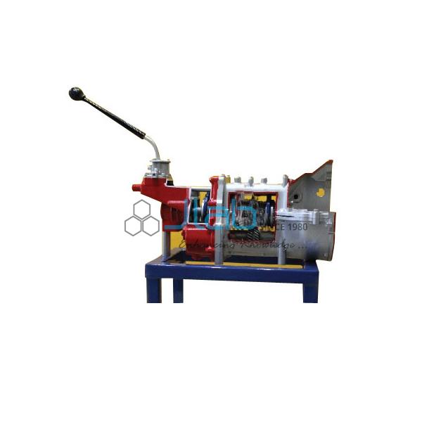 Synchromesh Gear Box-4 Forward and 1 Reverse